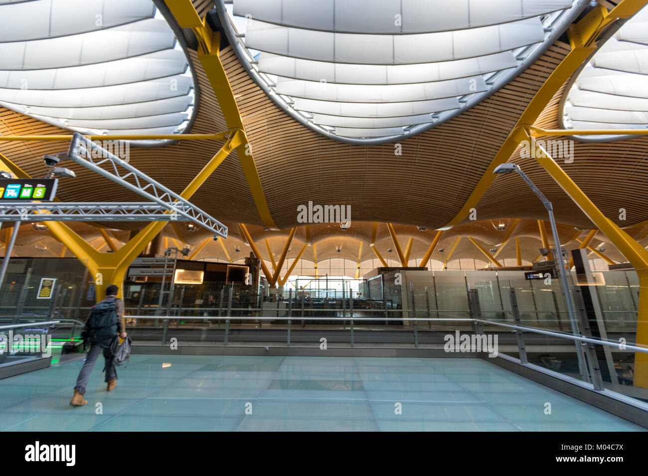 Adolfo Suárez Madrid–Barajas Airport  terminals T4, designed by architects Antonio Lamela and Richard Rogers - Stock Image