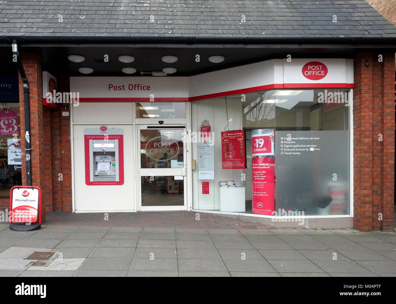 Post Office in High Street, Cosham, Portsmouth, Hampshire, England, UK Stock Photo