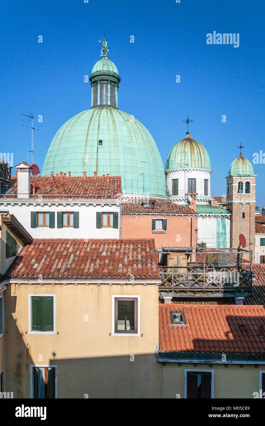 Church domes of the Church of San Simeone Piccolo  along the Grand Canal in Veneto, Venice, Italy, Europe. - Stock Image