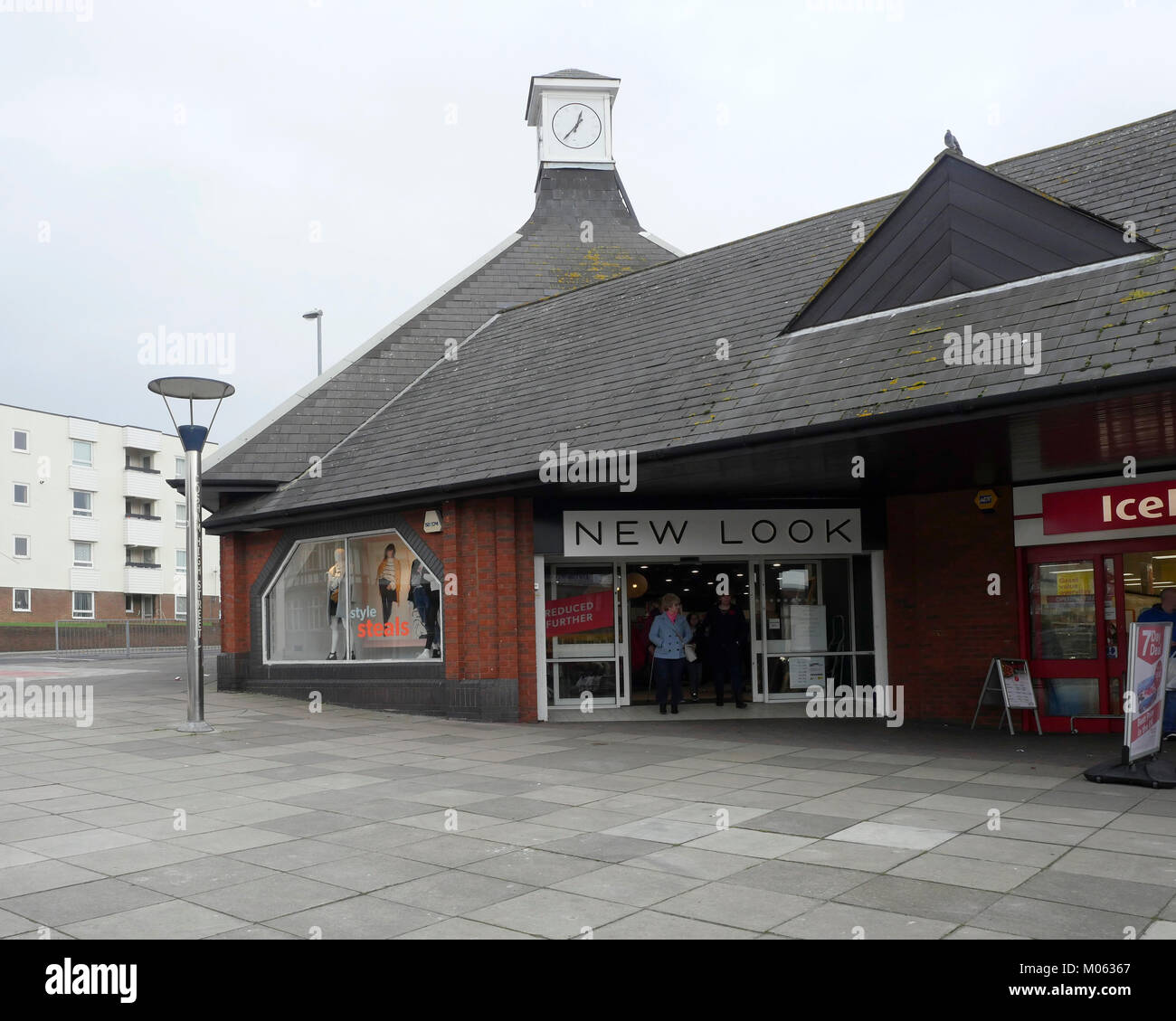 New Look retail store, High Street, Cosham, Portsmouth, Hampshire, England, UK Stock Photo