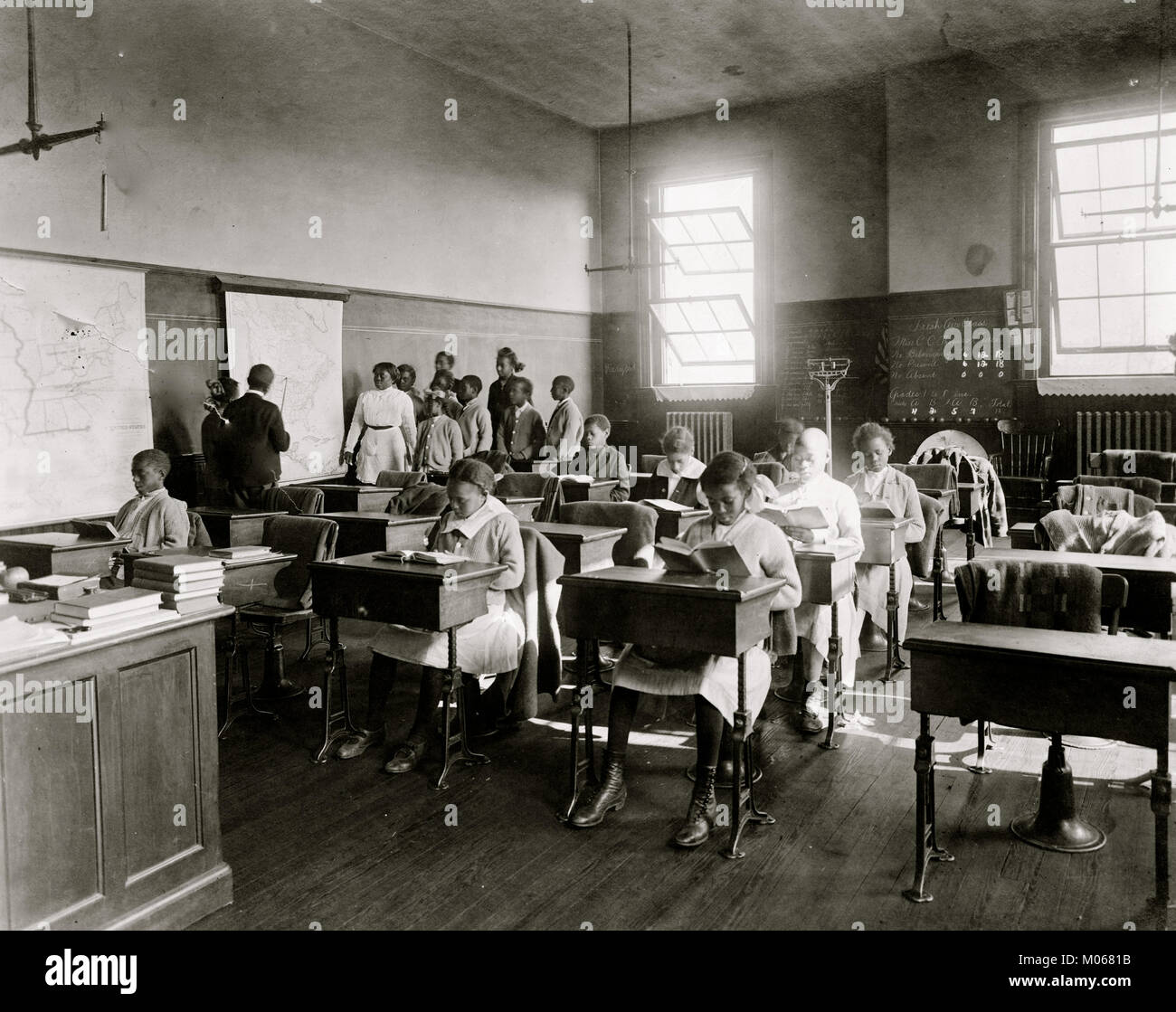 Students in geography class at Thaddeus Stevens School - Stock Image