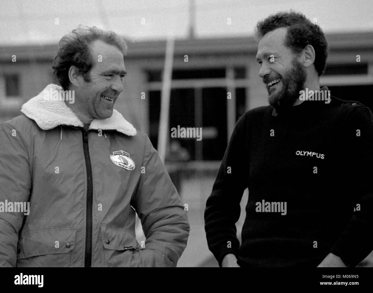 AJAXNETPHOTO. 29TH OCTOBER, 1982. ST.MALO, FRANCE. - ROUTE DU RHUM YACHT RACE  - (L-R) FRENCH SOLO SKIPPER EUGENE - Stock Image