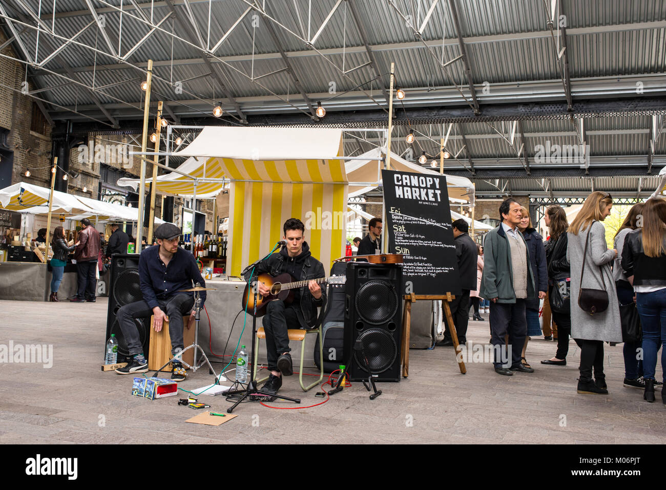 Musicians Playing Stock Photos   Musicians Playing Stock Images - Alamy 779957f36be