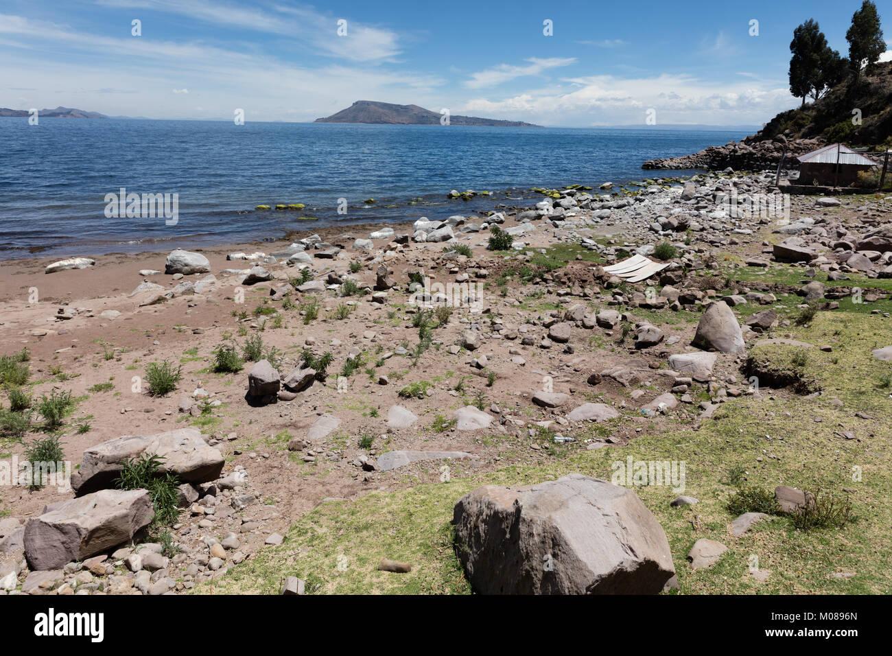Landscape with view of Amantani Island of Titicaca Lake, Peru - Stock Image