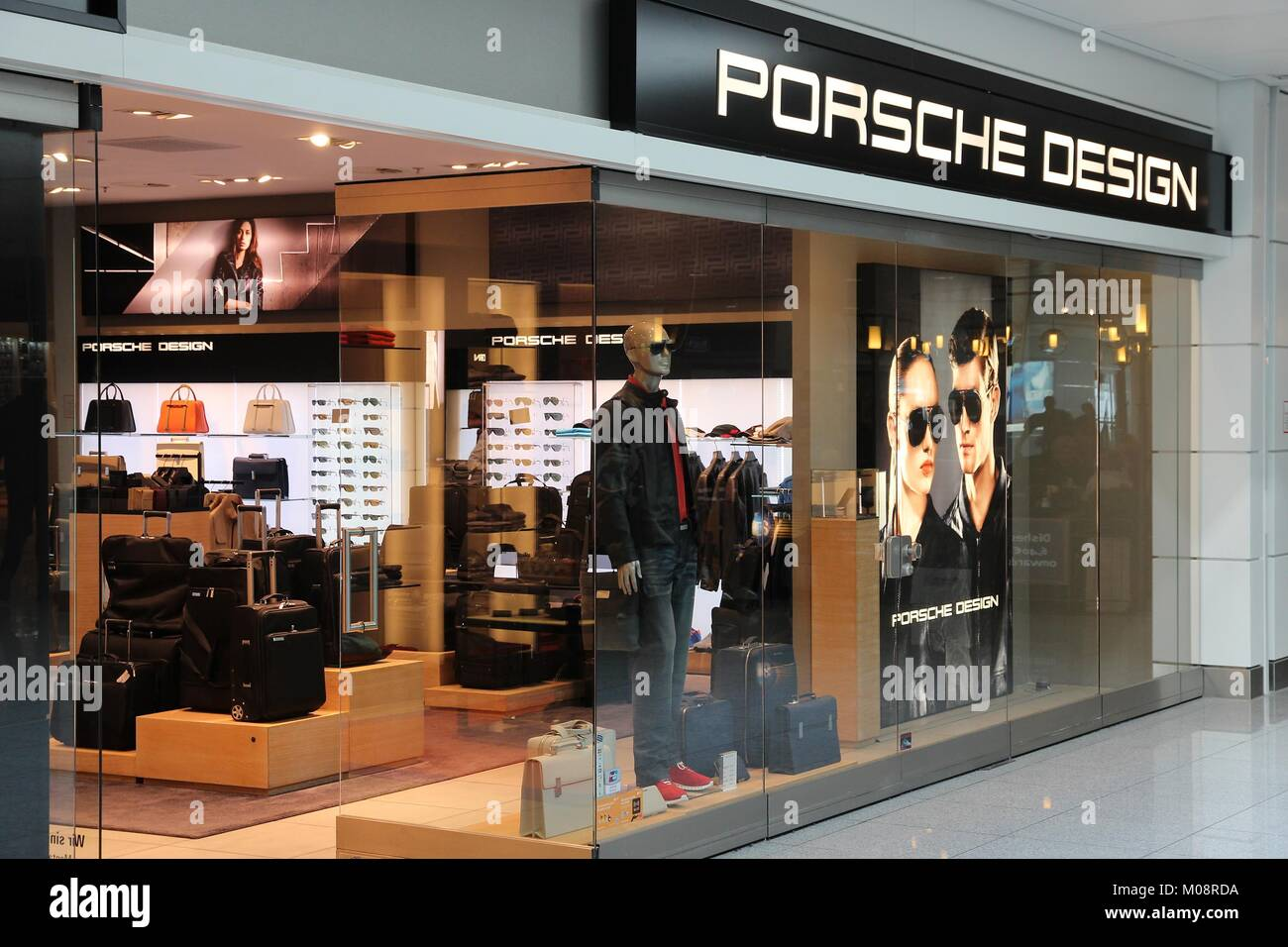 munich germany shopping area stock photos munich germany shopping area stock images alamy. Black Bedroom Furniture Sets. Home Design Ideas