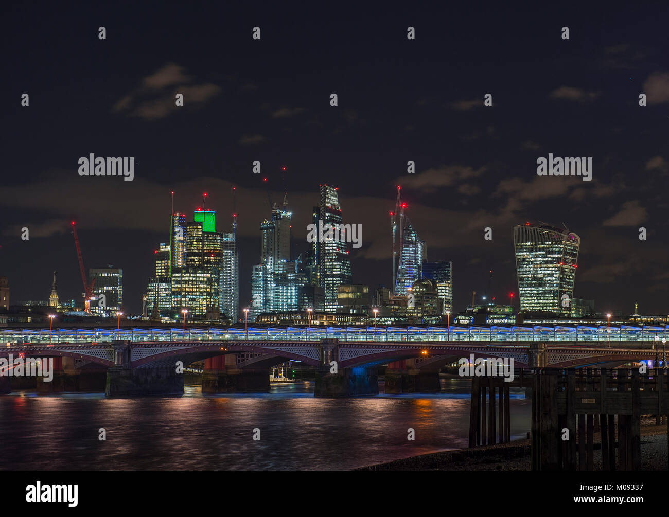 London 18th Jan 2018. Night in central London under the stars with landmark City of London buildings lit up. Credit: Stock Photo