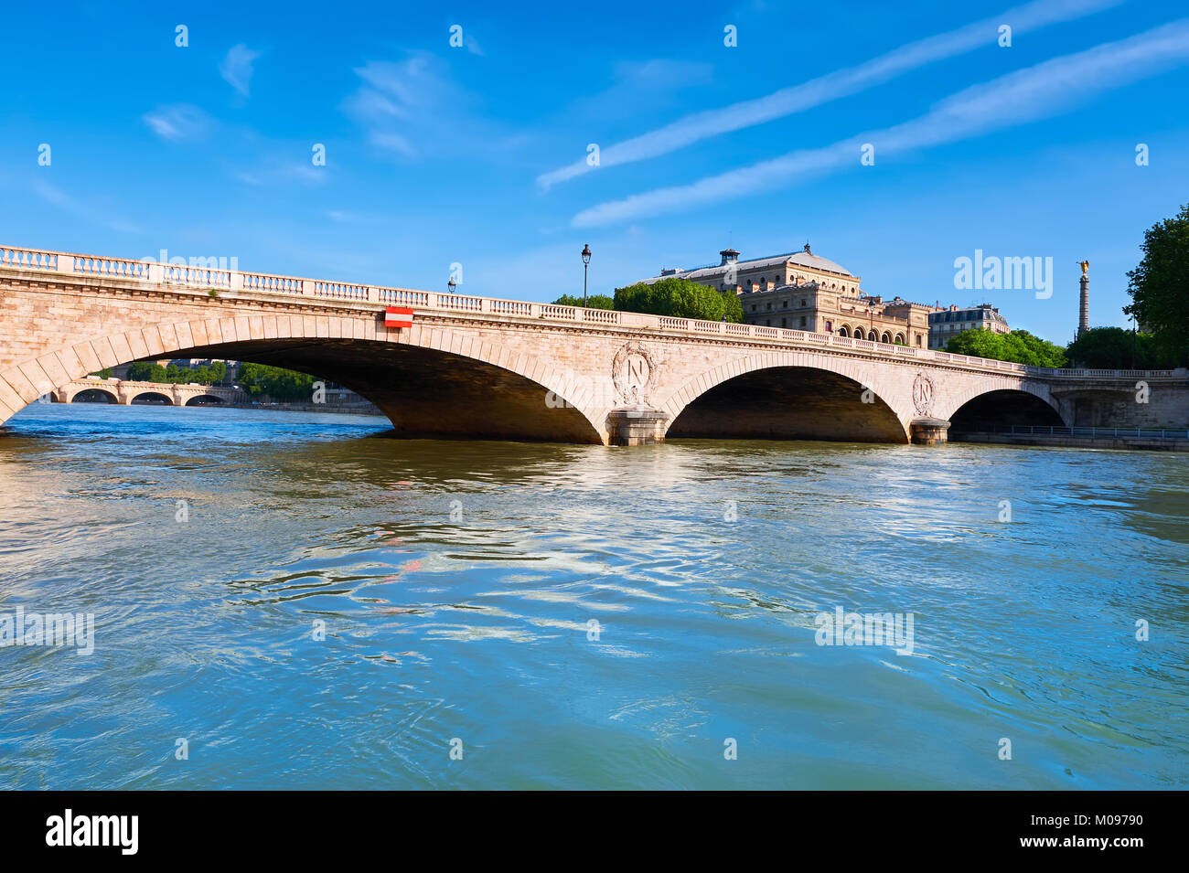 Paris, France. The Pont au Change connecting island Ile de la Cite with the Right Bank on a bright day. - Stock Image