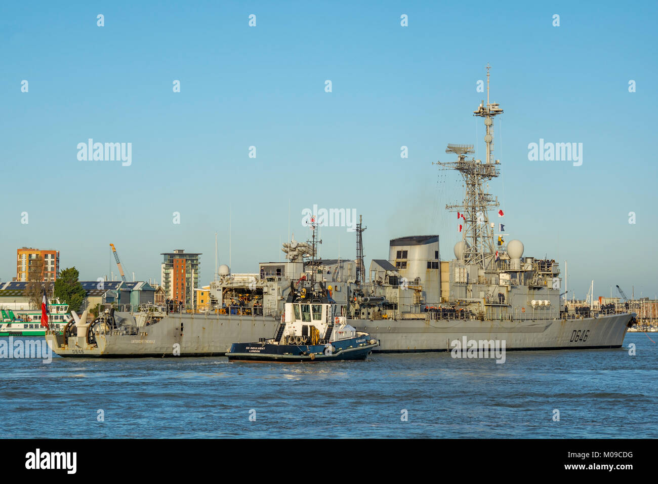 Portsmouth, UK. 19th January, 2018. The French Navy Destroyer, FS Latouche-Treville arrives at Portsmouth Naval - Stock Image