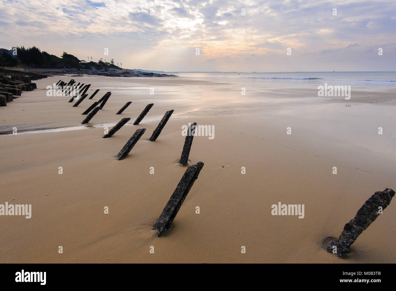 Tetrapod structure on the beach in Kinmen - Stock Image