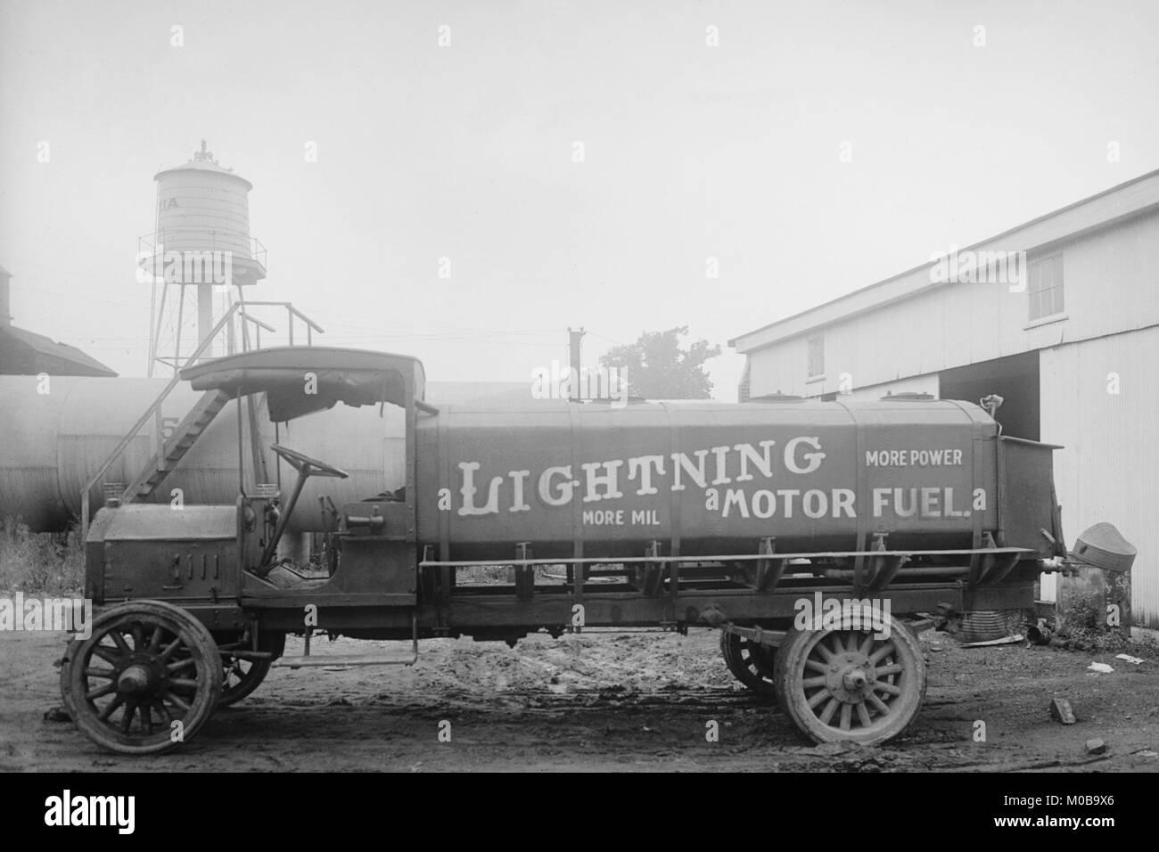 Motor Oil Advertisement Stock Photos & Motor Oil