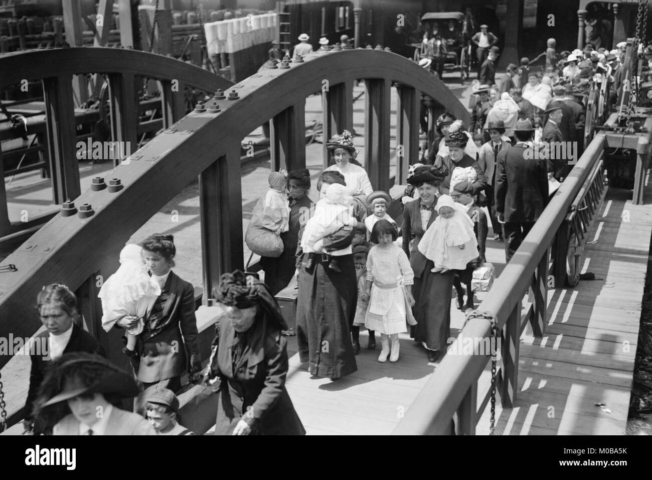Boarding the Ferry in Manhattan - Stock Image