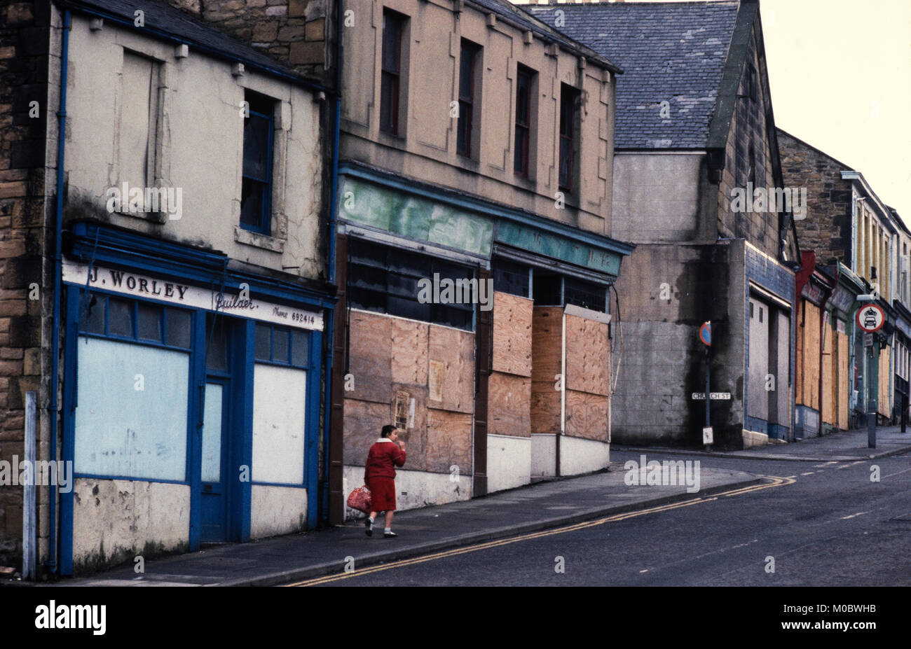 Gateshead, Tyne and Wear, northern England in 1985 Showing social problems and boarded up shops - Stock Image