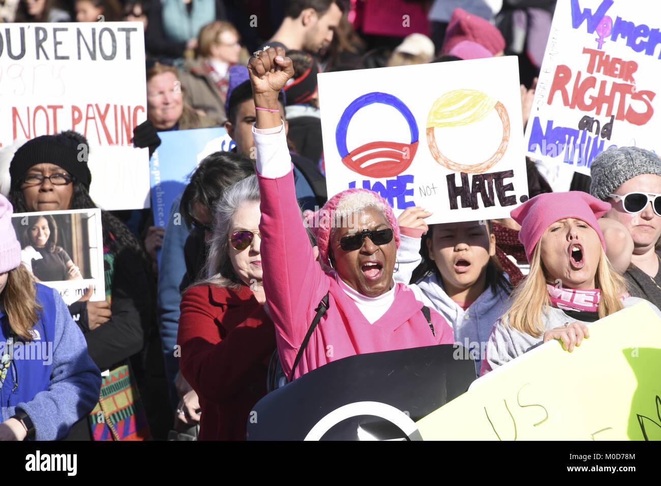 Washington Dc, USA. 20th Jan, 2018. Teena Crenshaw of Martinsville, Virginia raises a fist following a speech at - Stock Image