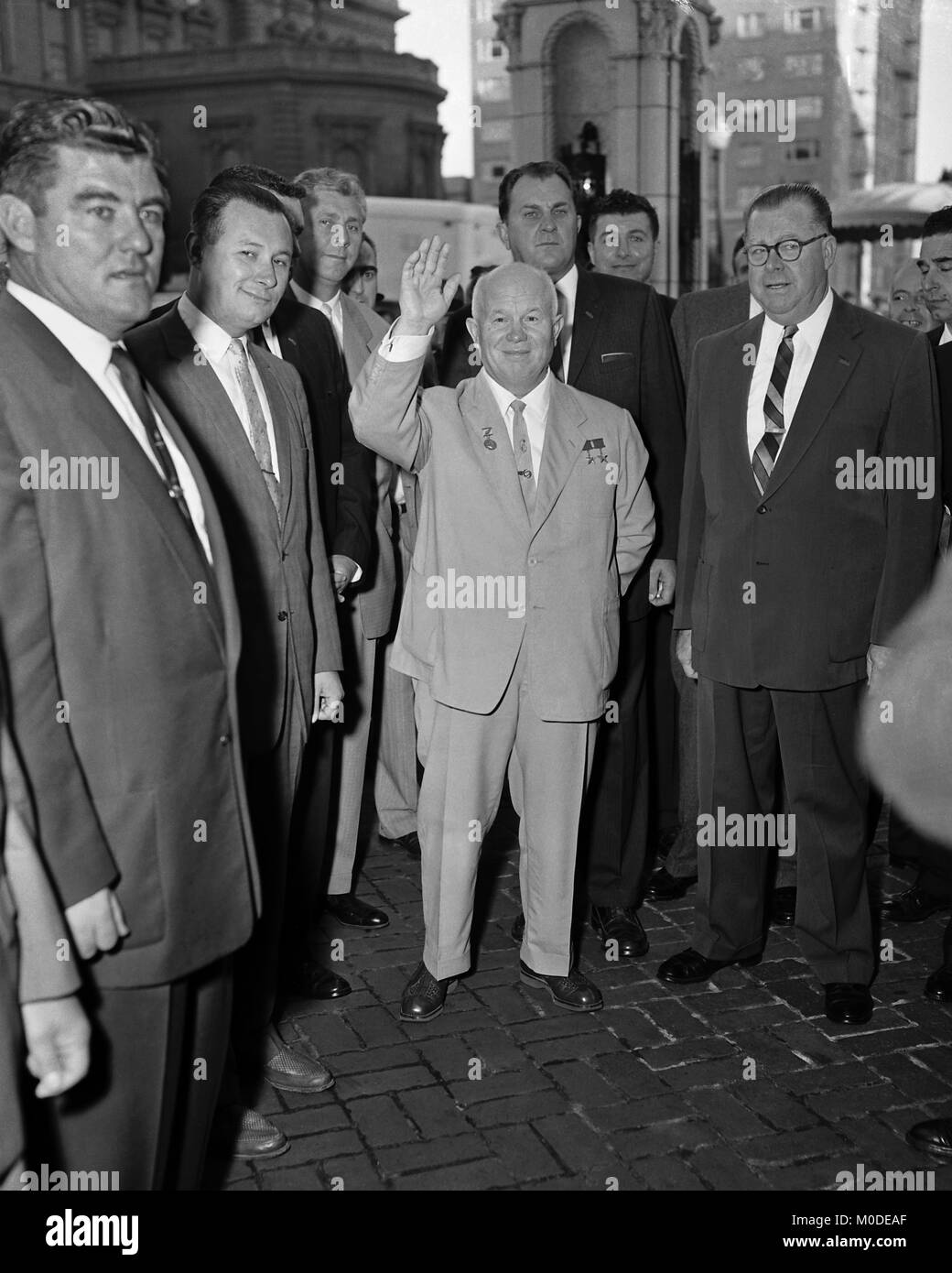 Soviet politician Nikita Khrushchev, standing next to Los Angeles Mayor Norris Poulson, on tour of the USA. Los - Stock Image