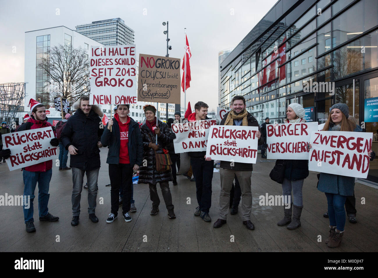 Bonn, Germany. 21 January 2018. Members of the SPD youth organisation Jusos (Young Socialists) protest against a - Stock Image