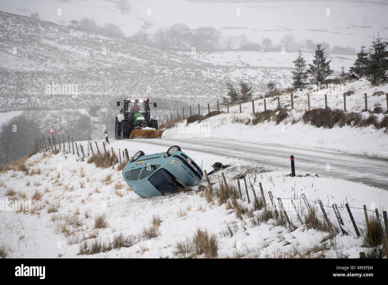 Yorkshire, UK. 21st Jan, 2018. The road from Hawes to Ingleton, the B6255, in the Yorkshire Dales, proved too tricky - Stock Image