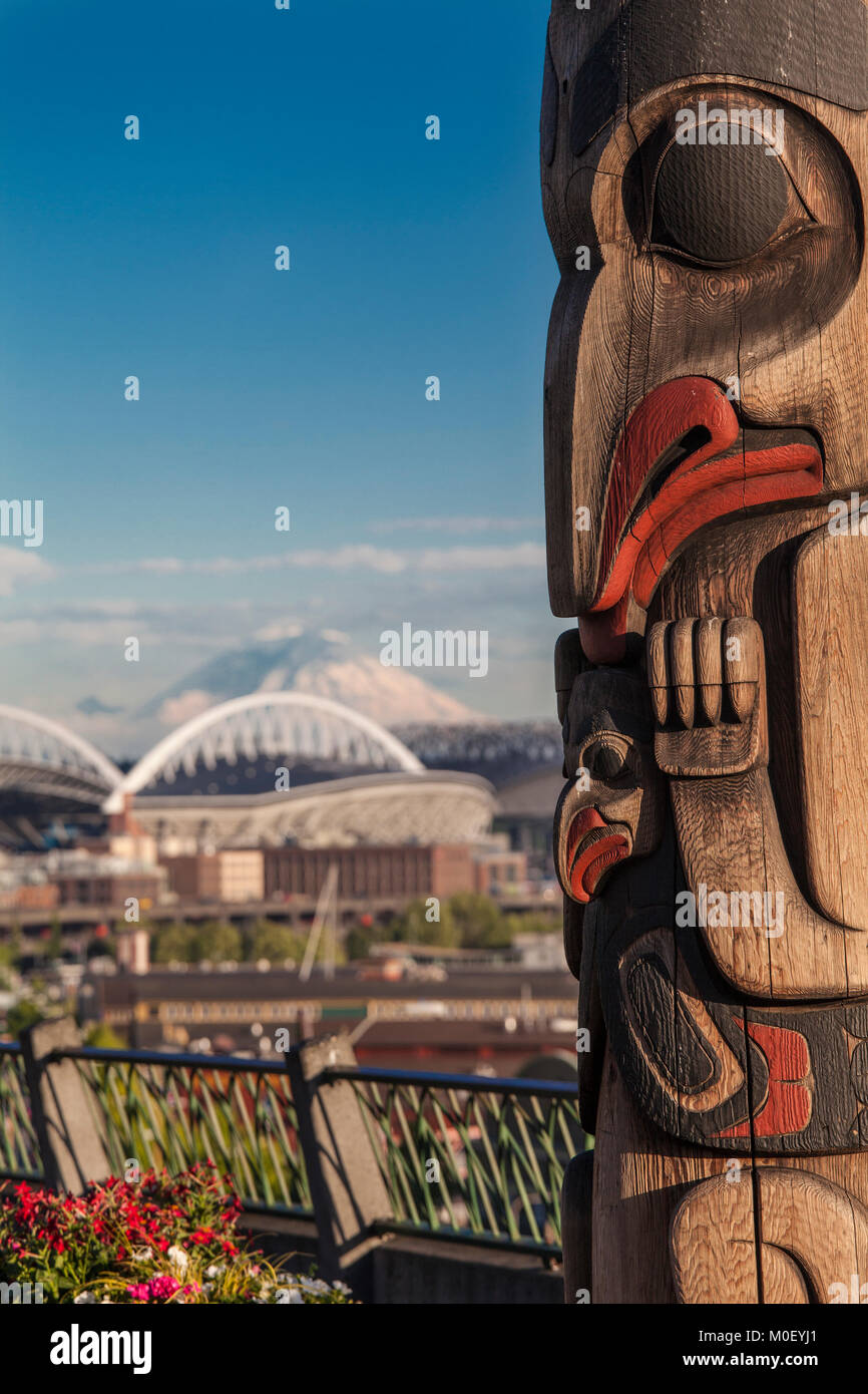 Totem pole, Victor Steinbrueck Park, Seattle, Washington, USA - Stock Image