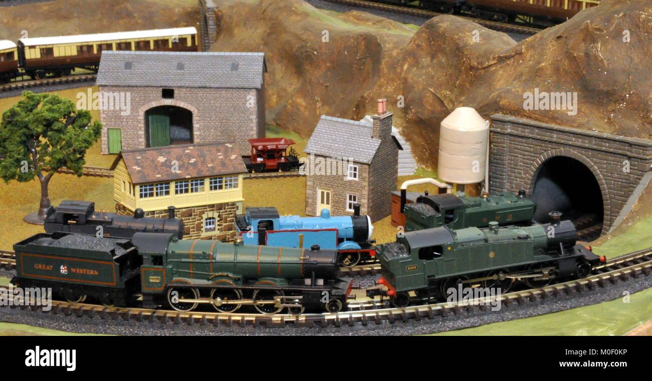 British Railways Eastern Region Model Railway Platform Numbers /& Posters N Gauge