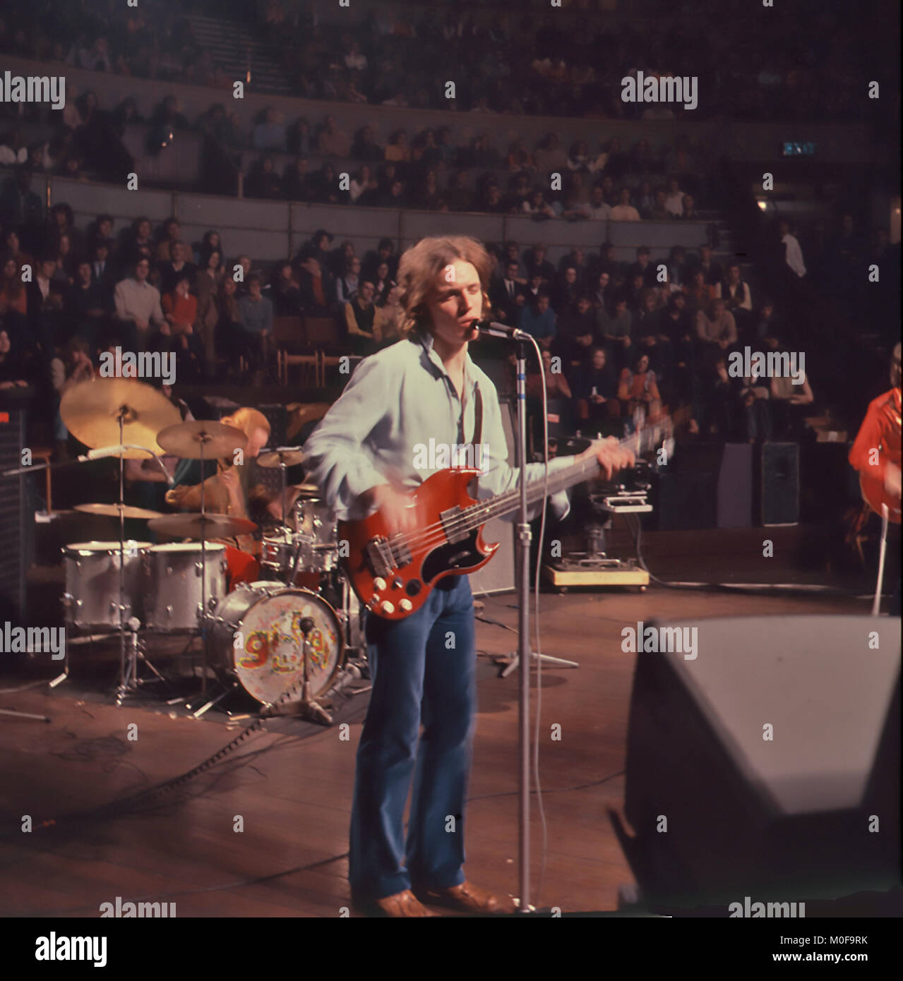 CREAM UK rock group farewell concert at the London Albert Hall 26 November 1968. with Jack Bruce on guitar. Photo: - Stock Image