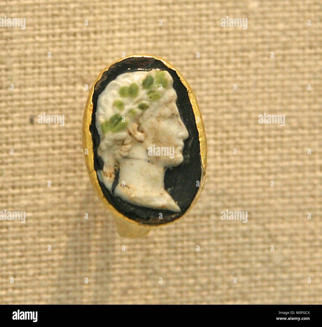 Gold ring with cameo glass portrait of the Emperor Augustus Roman 1st half of 1st century AD, The Metropolitan Museum - Stock Image
