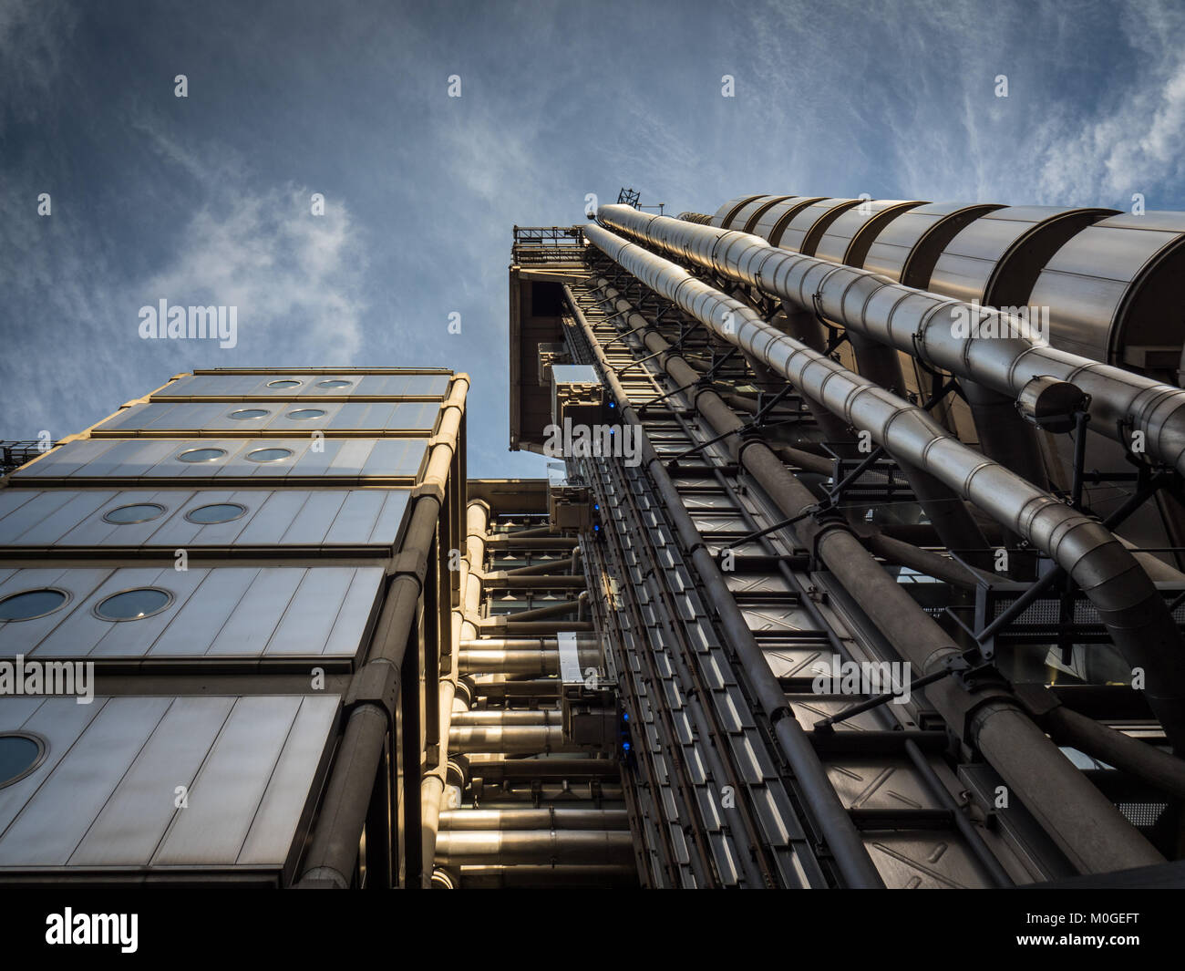 Lloyds Building London - home of the insurance institution Lloyd's of London, opened in 1986, architect Richard Stock Photo