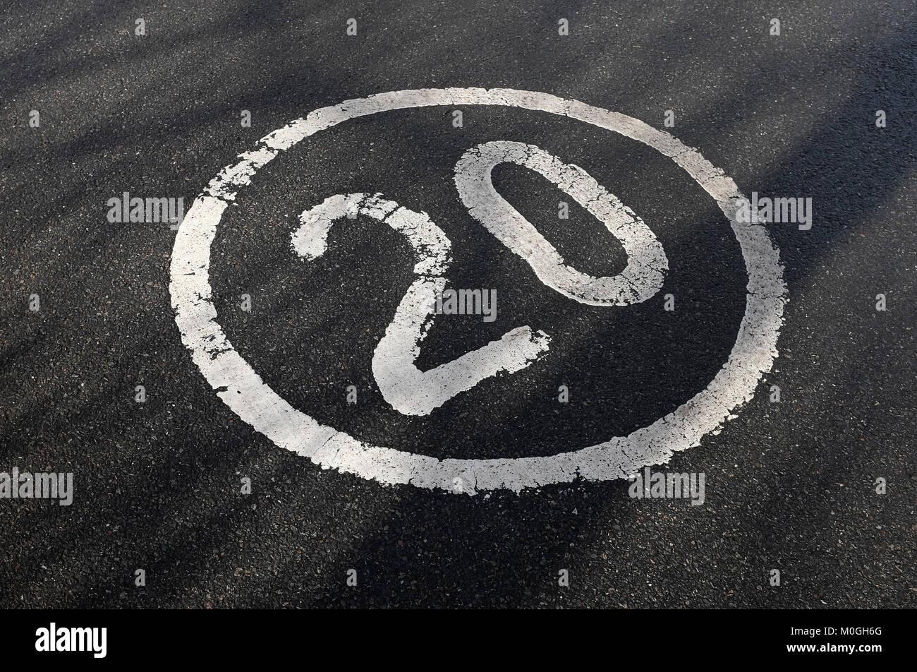 20 mph speed limit restriction sign Stock Photo