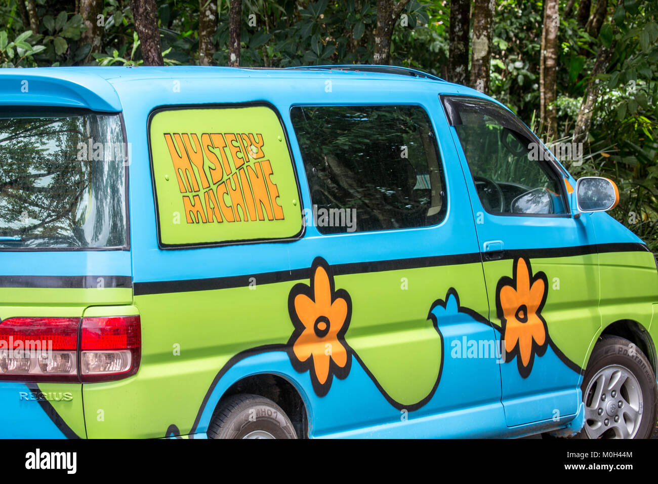 Scooby doo mystery machine stock photos scooby doo - Scooby doo voiture ...