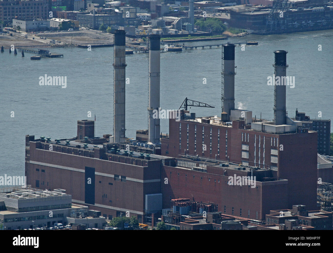 Aerial view, Consolidated Edison Inc. Power Plant on the East River at 15th Street in Manhattan from The Empire - Stock Image