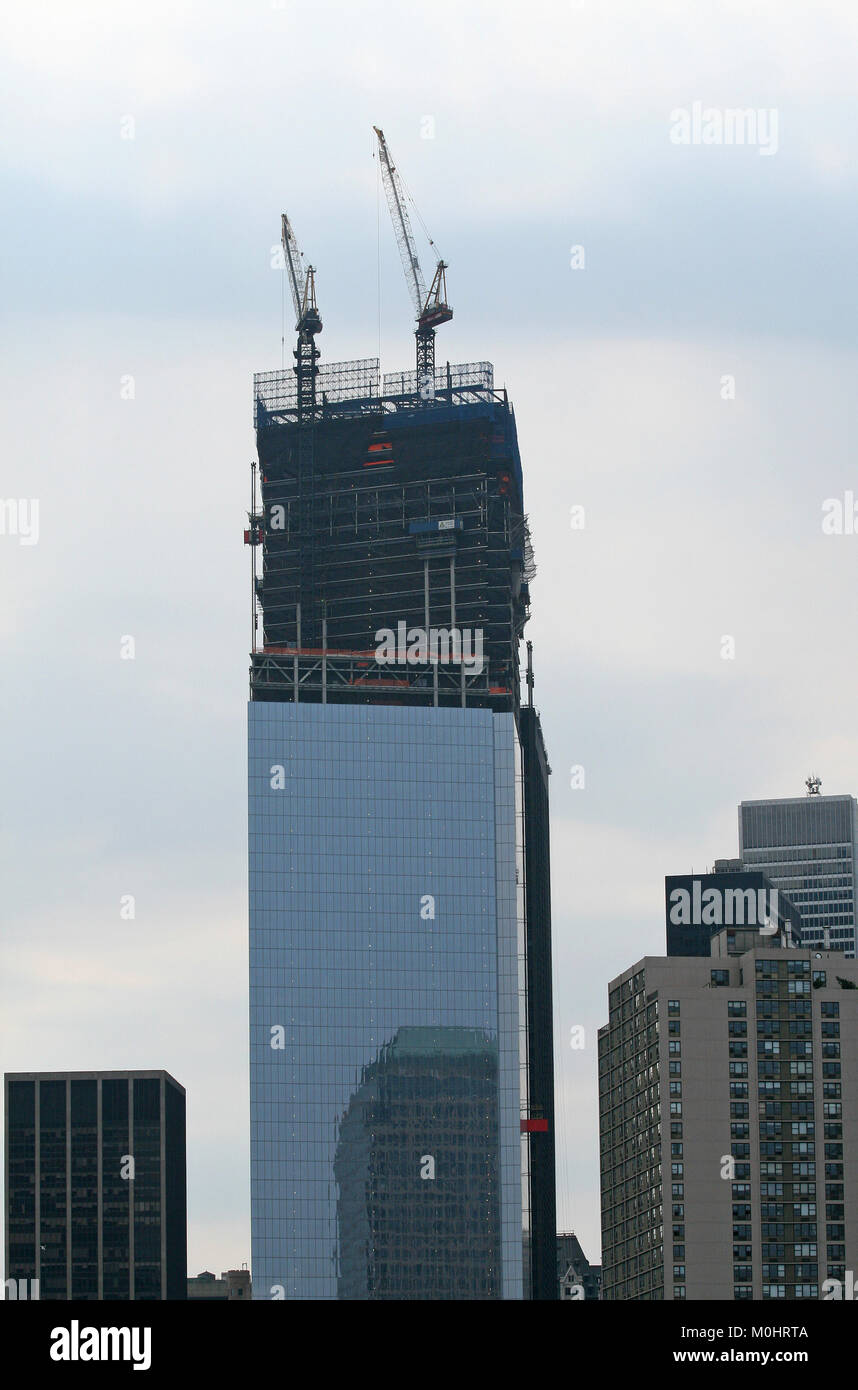 One World Trade Center (AKA 1 World Trade Center, One WTC, 1 WTC and Freedom Tower) still under construction July - Stock Image