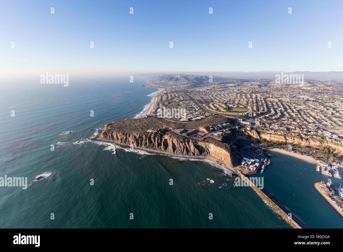 Aerial view of pacific ocean shoreline in Dana Point, California. - Stock Image
