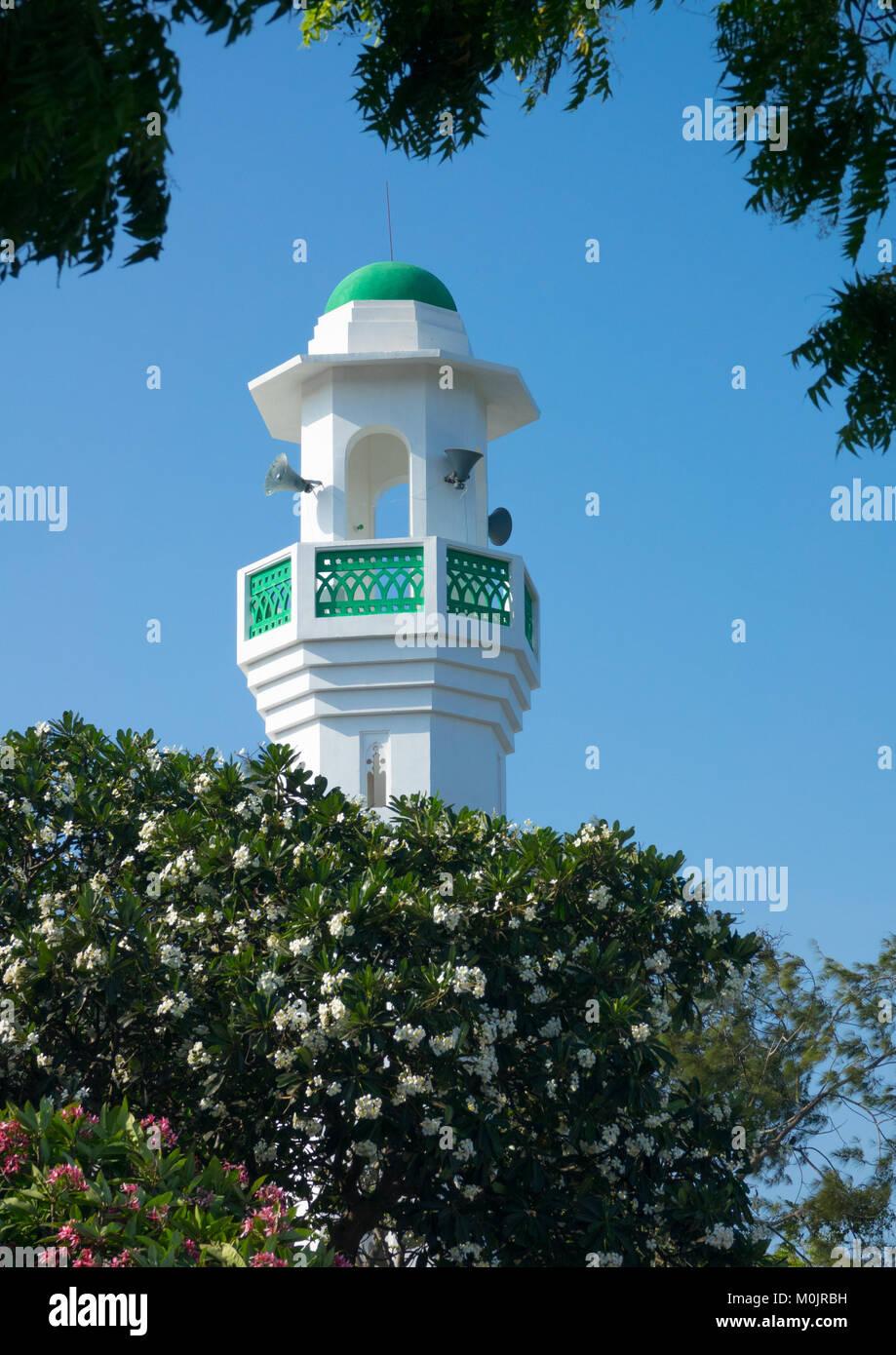 Minaret of the new mosque, Masjid Rawdha, Lamu island, Kenya Stock Photo