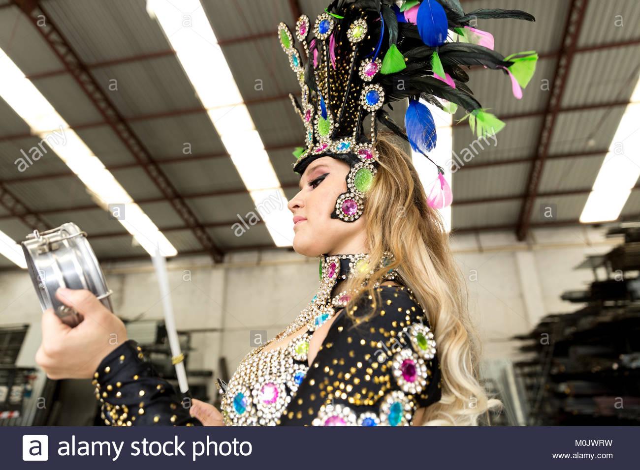 Traditional Brazilian Dance Samba - Rachel Hernandez Dance