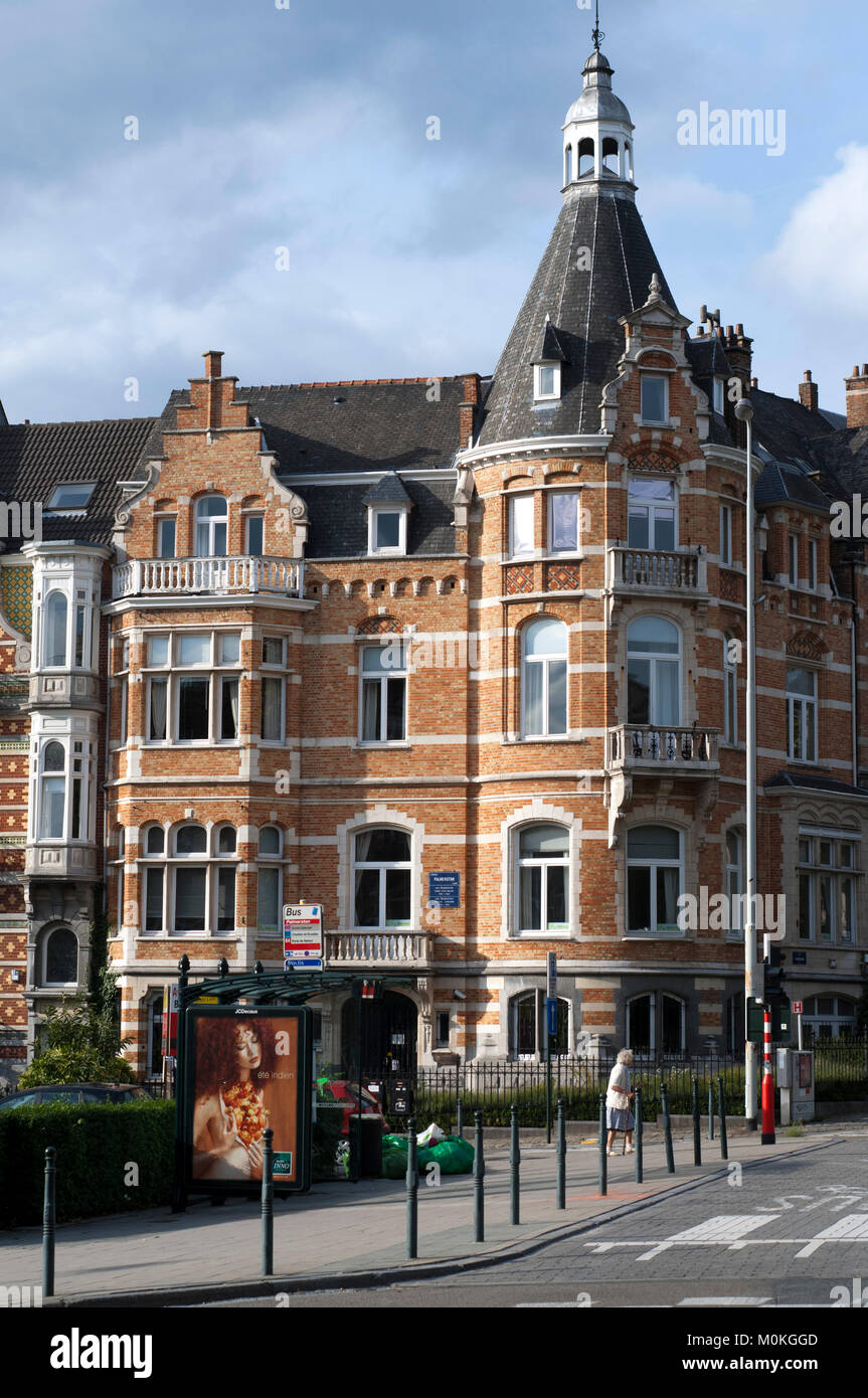 Avenue Palmerson luxury houses in the European Parliament quarter of Brussels, Belgium - Stock Image