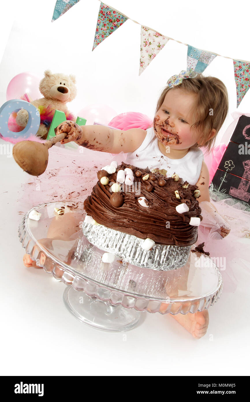 Prime 1 Year Old Girl Birthday Party Cake Smash Messy Chocolate Cake Funny Birthday Cards Online Inifofree Goldxyz