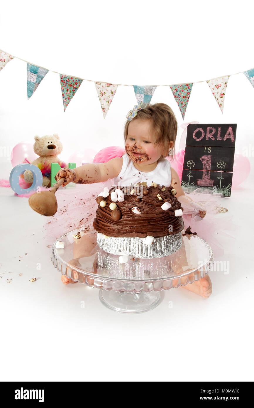 Stupendous 1 Year Old Girl Birthday Party Cake Smash Messy Chocolate Cake Funny Birthday Cards Online Inifofree Goldxyz
