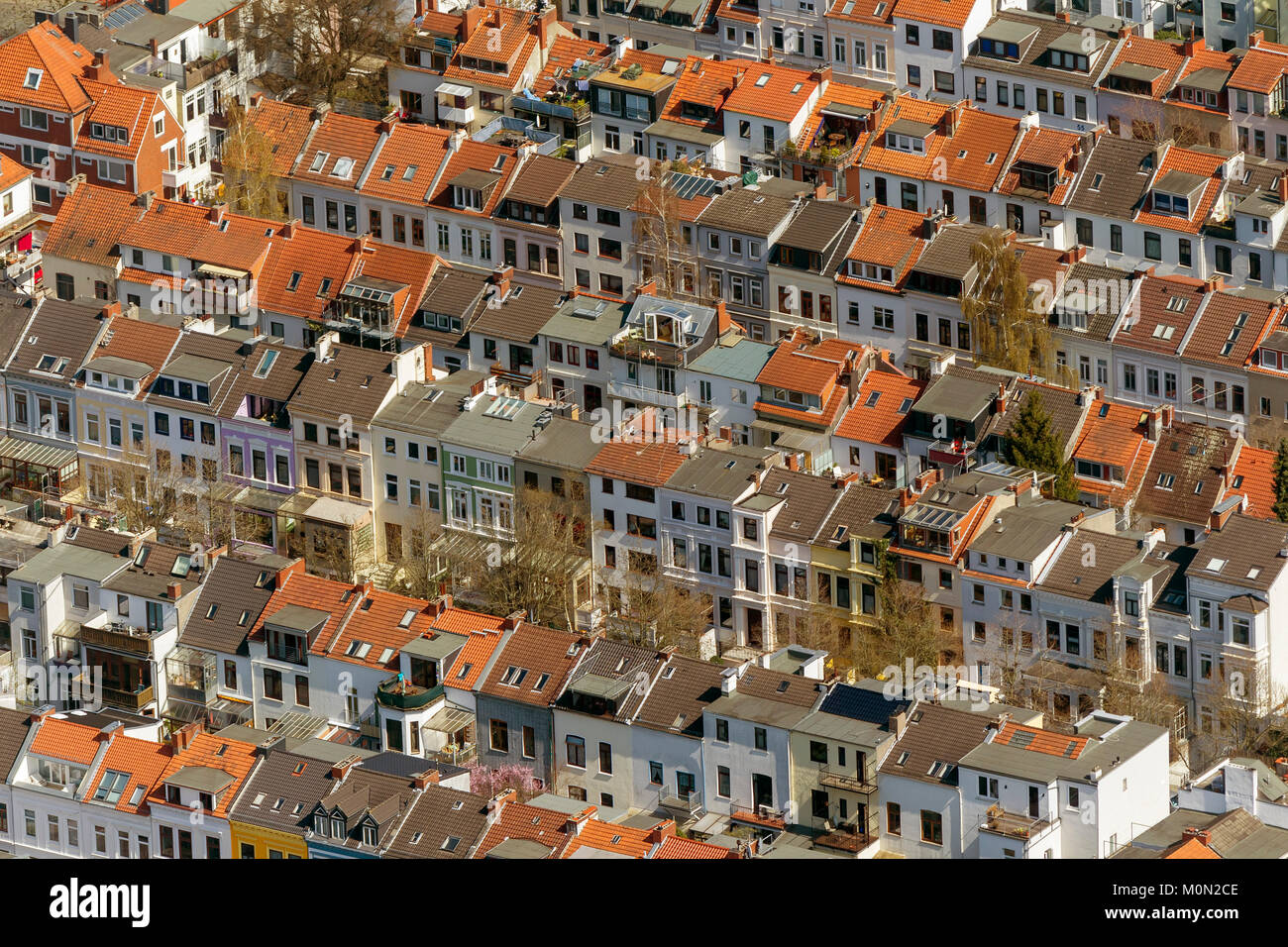 Row of houses in the district Findorff, tenements, flats, red tiled roofs, penthouses, aerial view, aerial photographs - Stock Image