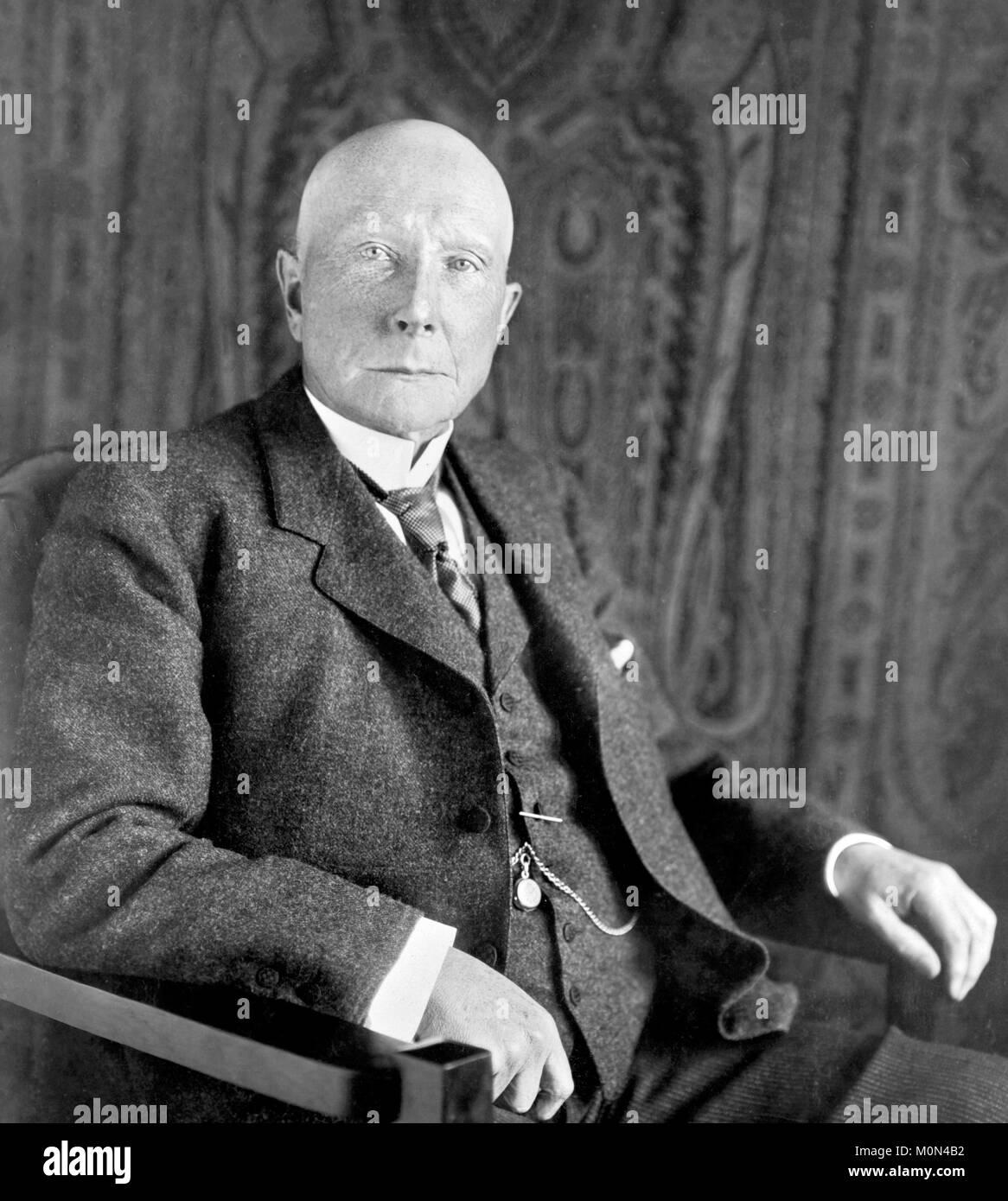 John D Rockefeller. Portrait of John Davison Rockefeller Sr (1839-1937), c.1909 - Stock Image