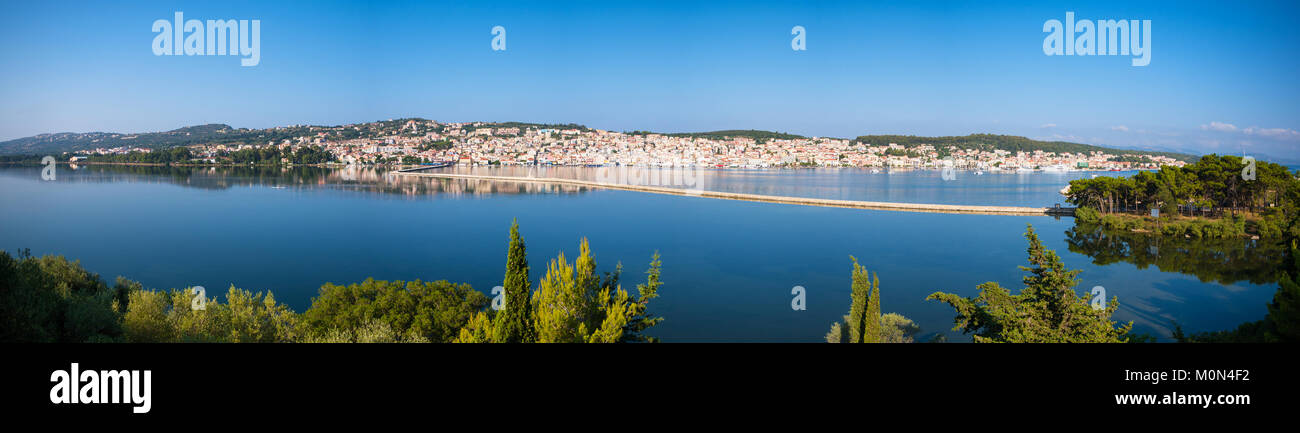 Panoramic view of lixouri town in Kefallonia island - Stock Image