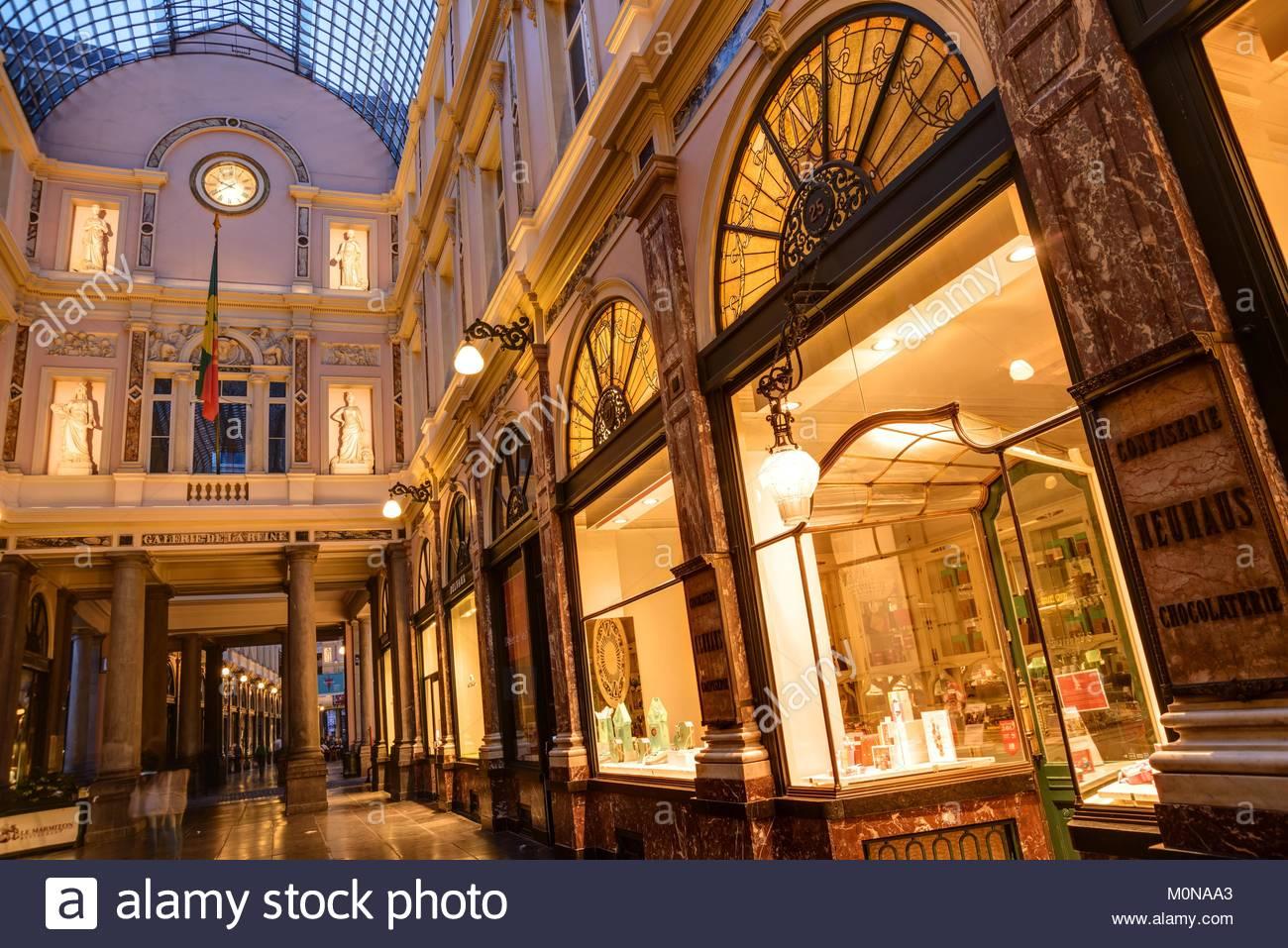 Brüssel, Les Galeries Royales Saint-Hubert, Koninklijke Sint-Hubertusgalerijen, Confiserie und Chocolaterie - Stock Image