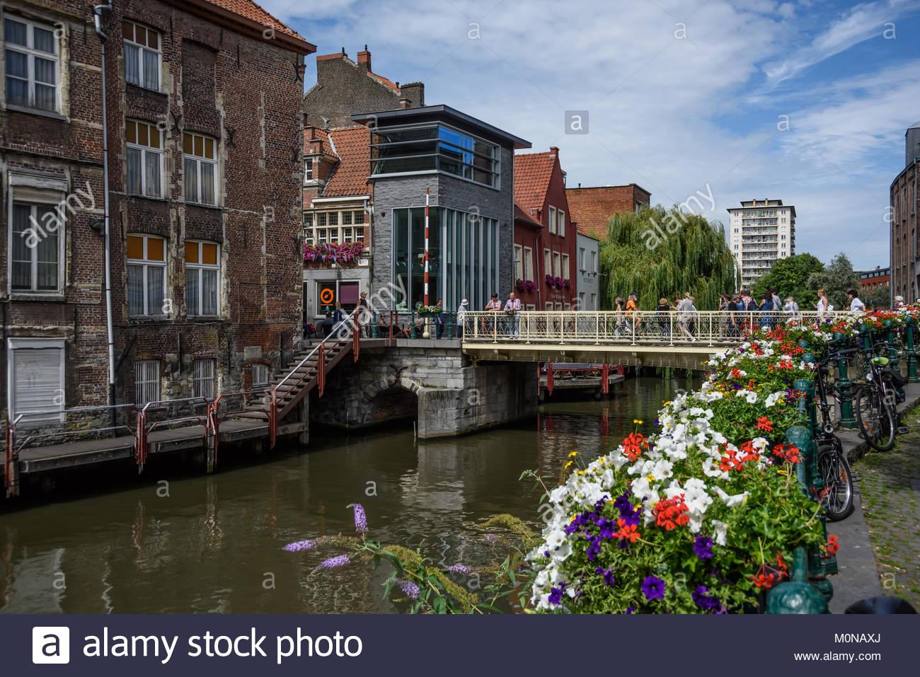 Flandern, Ostflandern, Gent, Blick von Grootkanonplein auf Zuivelbrug - Stock Image