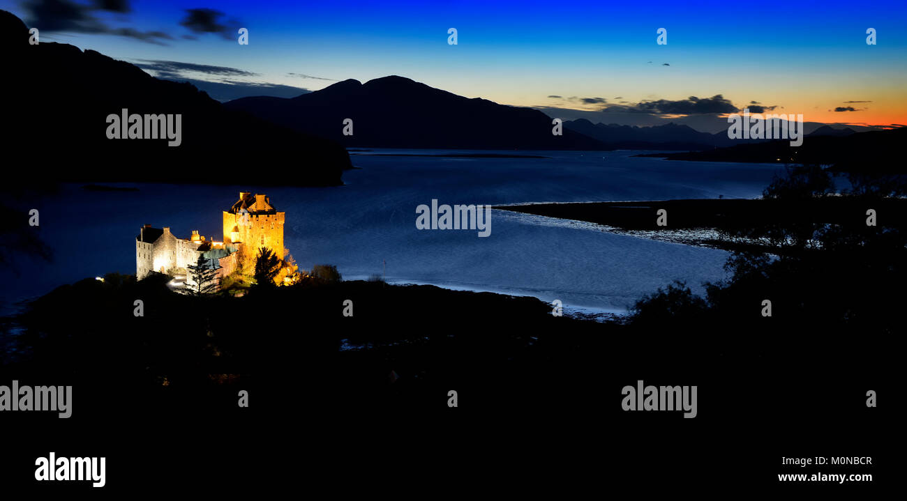 Sunset over Eilean Donan Castle and Loch Alsh Stock Photo