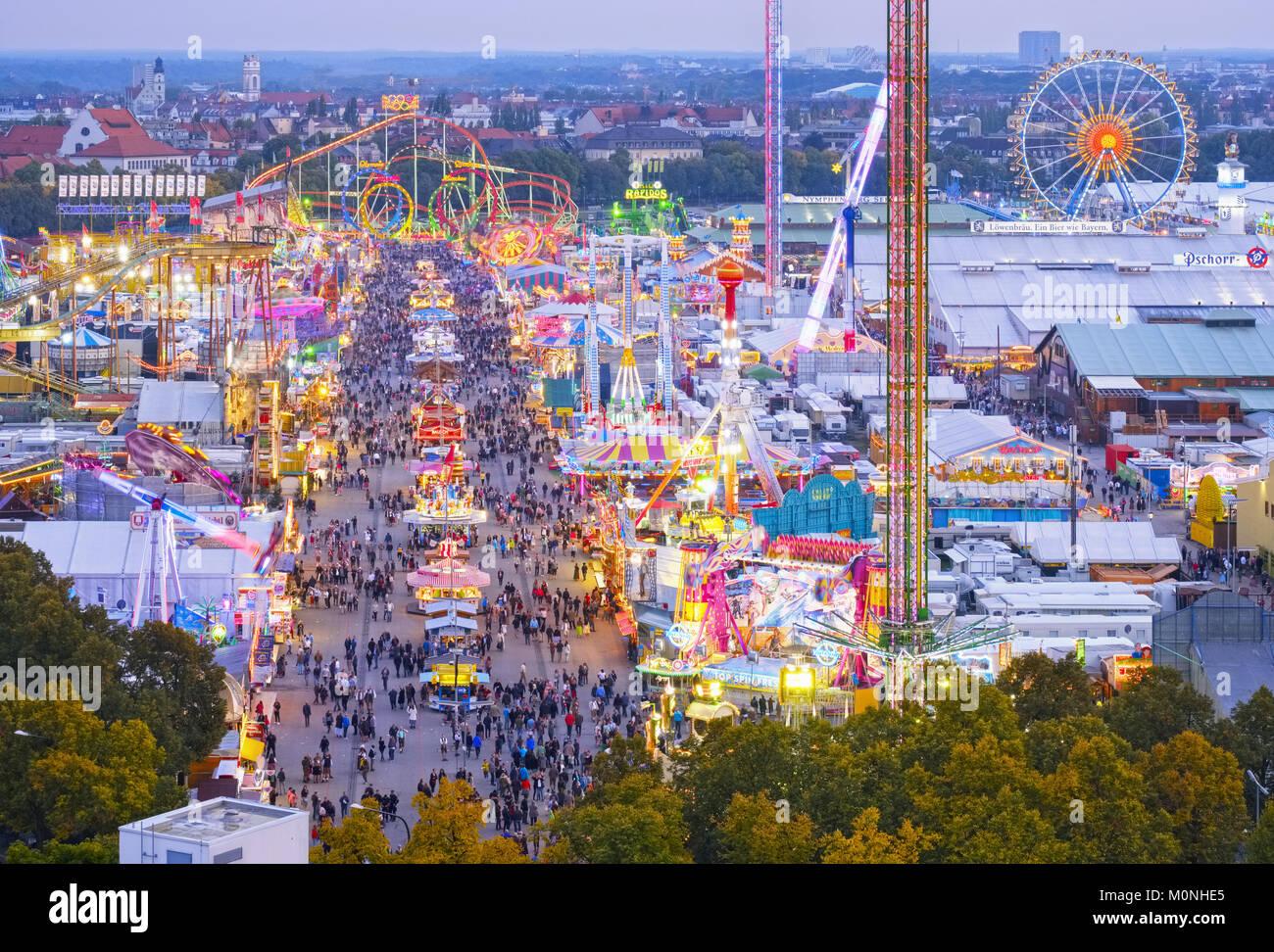 Ausblick über das Oktoberfest, Wiesn, München, Oberbayern, Bayern, Deutschland - Stock Image