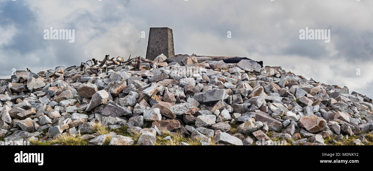 Cairn and trig point at the top of Cnoc Fola, Bloody Foreland, County Donegal, ireland - Stock Image