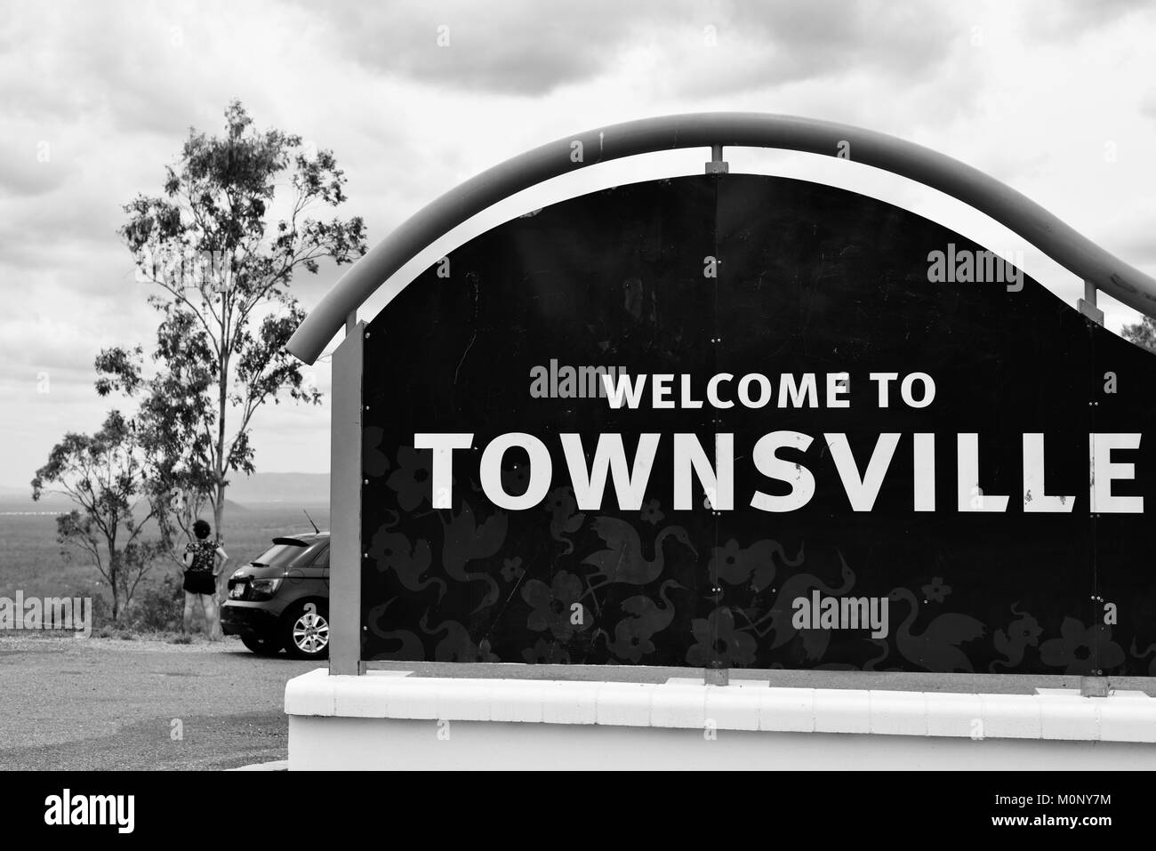 Welcome to Townsville sign at the Herveys Range lookout, Hervey Range, Queensland, Australia - Stock Image