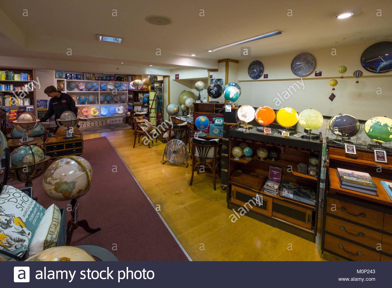 Map Shop Stock Photos & Map Shop Stock Images - Alamy