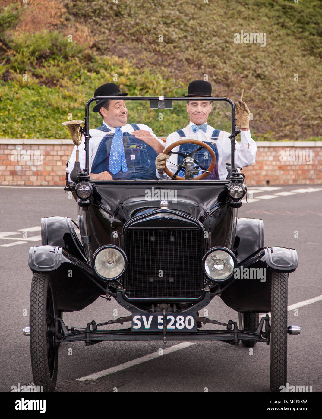 Laurel and Hardy look-a-likes perform a comedy routine in Oxfordshire - Stock Image