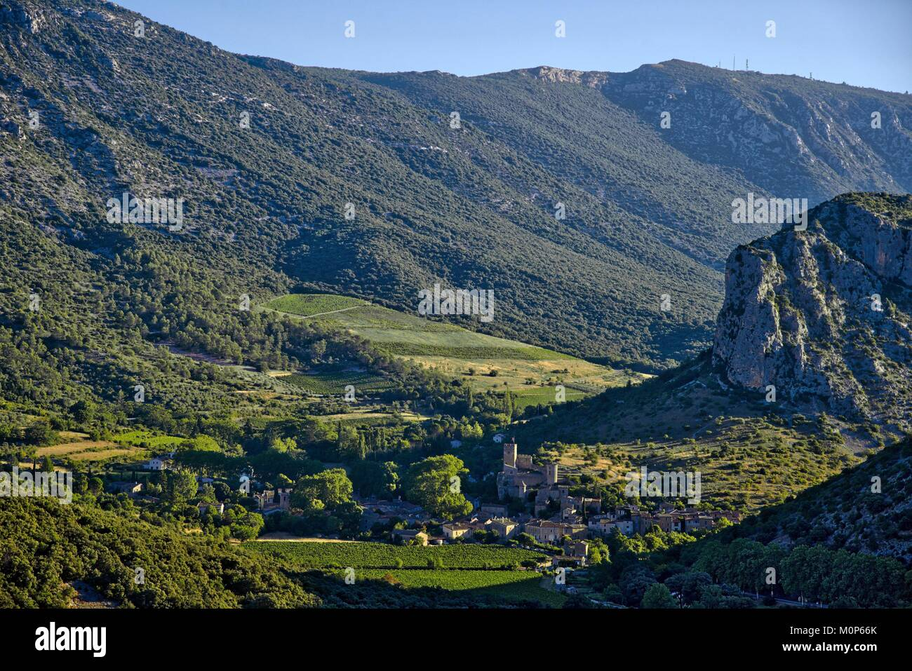 France,Herault,Saint Jean de Bueges,Medieval village at the foot of the mountain of Seranne - Stock Image