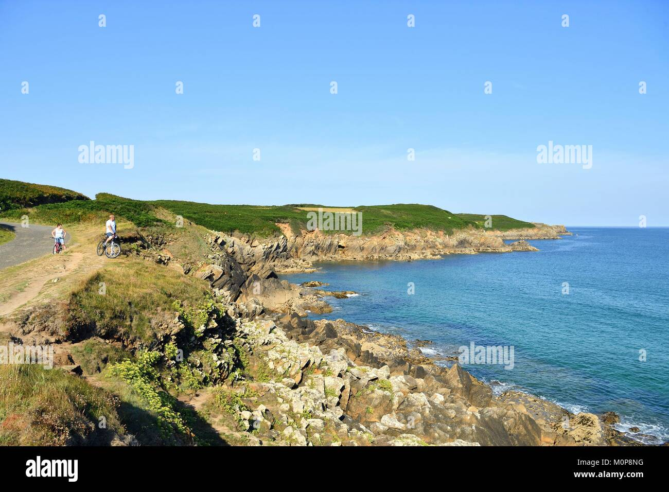 France,Finistere,Iroise sea,Armorique Regional natural park,Le Conquet,coastal path around the peninsula of Kermorvan Stock Photo