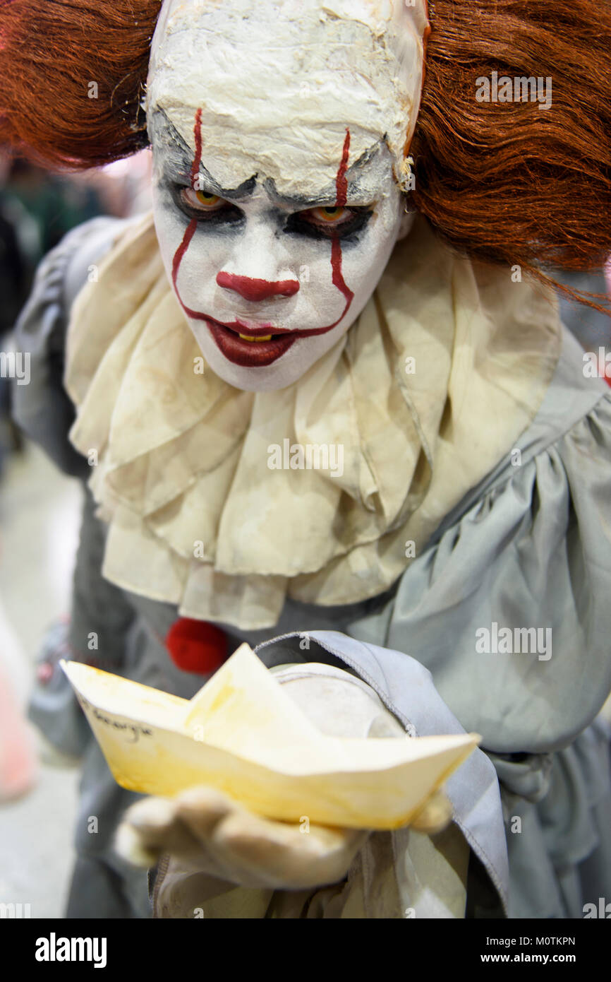 Cosplayer posing as 'Pennywise the Clown' character at the Comic Con in London, UK. - Stock Image