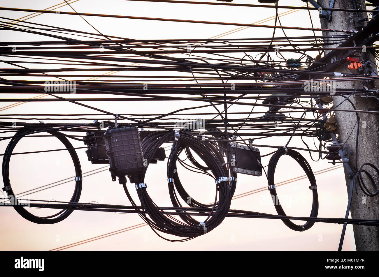Cable Chaos Chaotic Stock Photos & Cable Chaos Chaotic Stock Images ...